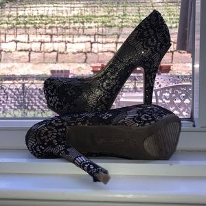 Society 86 high heels. 7 1/2 inches